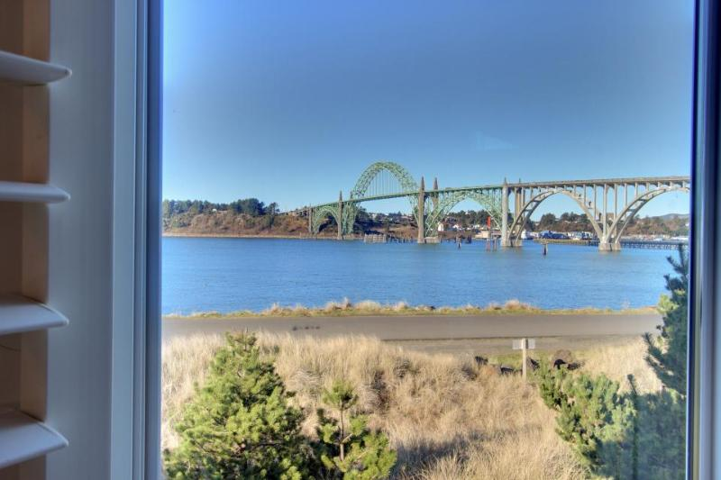 Three bedroom home with ocean views and deck! - Image 1 - Newport - rentals