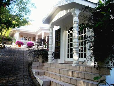 Front Entrance - Luxurious Villa Roshelle For Rent - Gros Islet - rentals