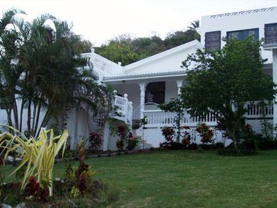 Garden Area - Luxurious Villa Roshelle For Rent - Gros Islet - rentals
