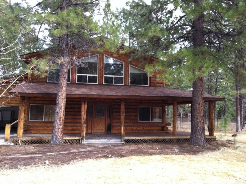 Welcome to Sisters Country!! - Fabulous Log Home in Sisters Country! Golf, Shop, Explore!! - Sisters - rentals