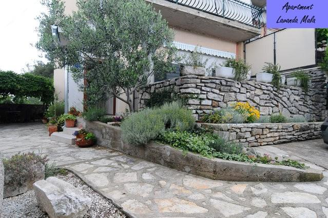 entrance to the apartment and balcony for pleasant moments in the open - Sibenik - apartment in a quiet suburb - Sibenik - rentals