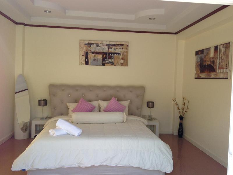 Beautiful 3 Bedroom Bang Tao Villa - Image 1 - Sara Buri - rentals