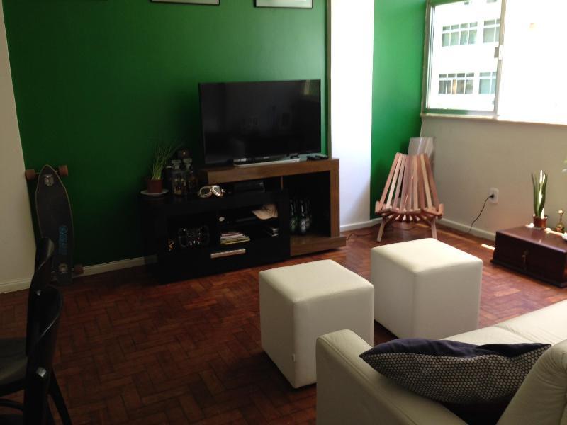LED TV & Entertainment System - Perfect Location for 4: Leblon 1bed1bath - Rio de Janeiro - rentals