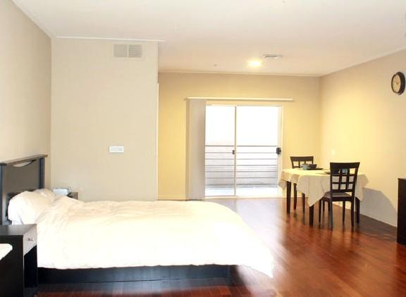 210 Westwood Executive Studio Near UCLA, Restauran - Image 1 - Los Angeles - rentals