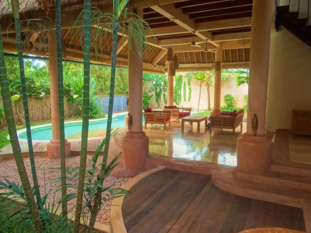 Garden & Indoor Outdoor Living Area - BALI: JANUARY SPECIAL!!!  $125/nt 4 bdrm Spacious Villa Umalas - West Sulawesi - rentals