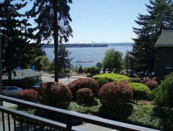 Beach Condo on Lake Washington - Image 1 - Kirkland - rentals