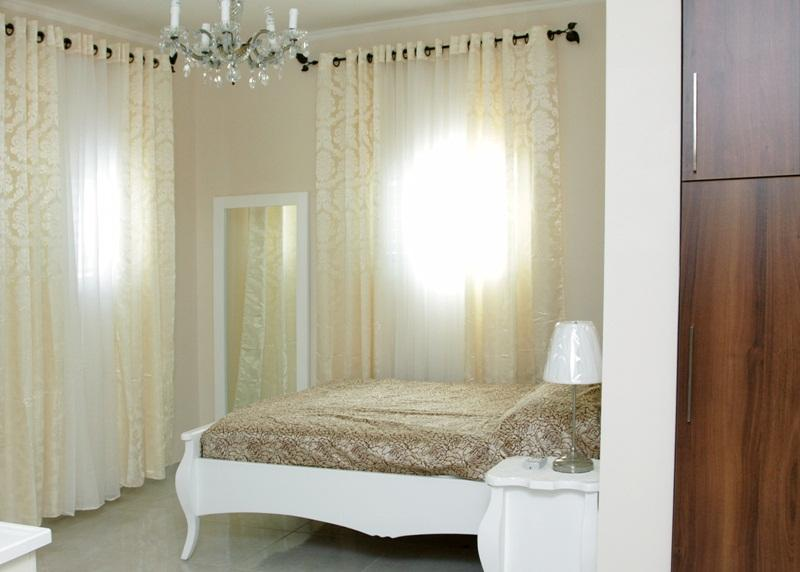 Bright room with 3 windows - Lovely apartment 1 minute to the Beach - Bat Yam - rentals