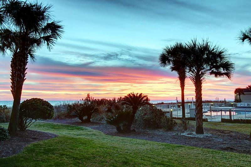 Waterscape 103B-2BR-AVAIL8/7-8/14 $2683-RealJOY Fun Pass*FREETripIns4NEWFallBkgs*GulfView - Image 1 - Fort Walton Beach - rentals