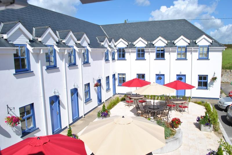 Exterior - The Wooden House, Kilmore Quay - Beautiful 2 Bedroom Apartment, Great Location - Kilmore Quay - rentals