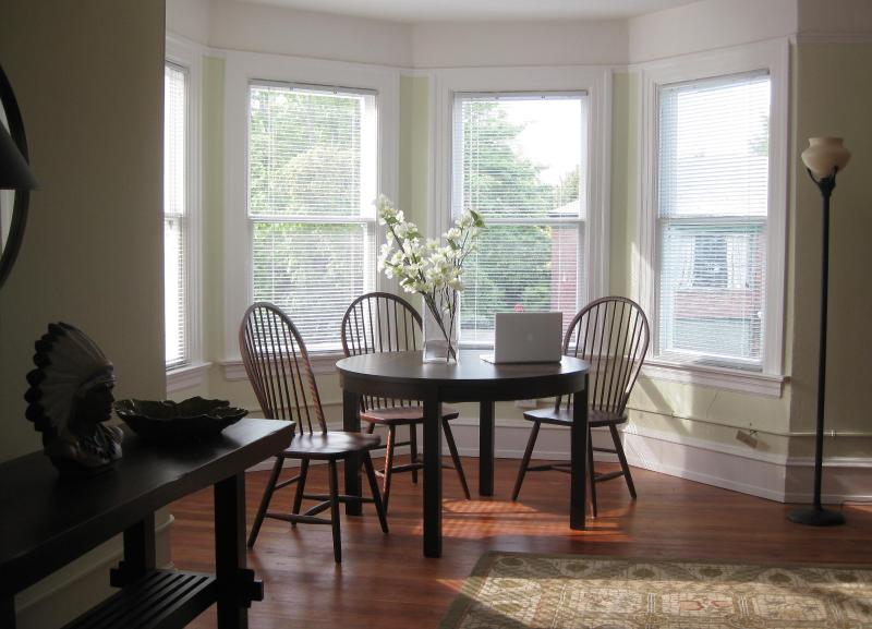 Seattle Turret House Furnished Vacation Rental Apartments in Capitol Hill - Seattle Turret House (Apt 4) 2BR w/ Balcony - Seattle - rentals