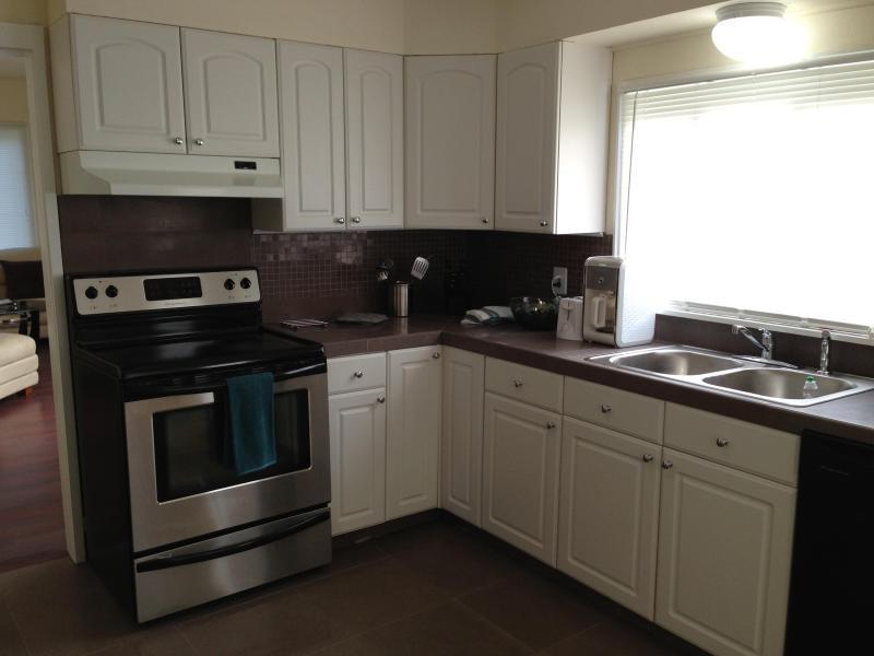 3 BEDROOM HOUSE - Image 1 - Seattle - rentals