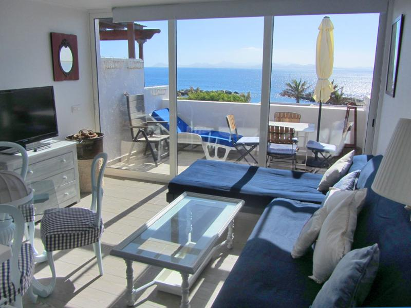 Apartment in Playa Flamingo with panoramic sea-views / front to the beach - Image 1 - Playa Blanca - rentals