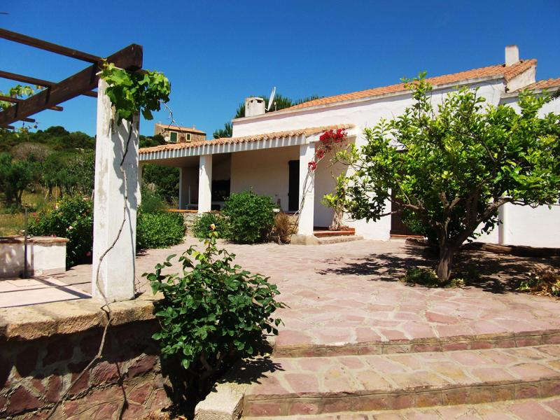 Villa in Carloforte 10 minutes walk from the sea! - Image 1 - Carloforte - rentals