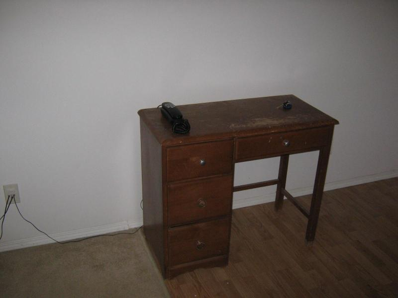 Writing Desk - Affordable 1 Bedroom Condo on the West side - Saskatoon - rentals
