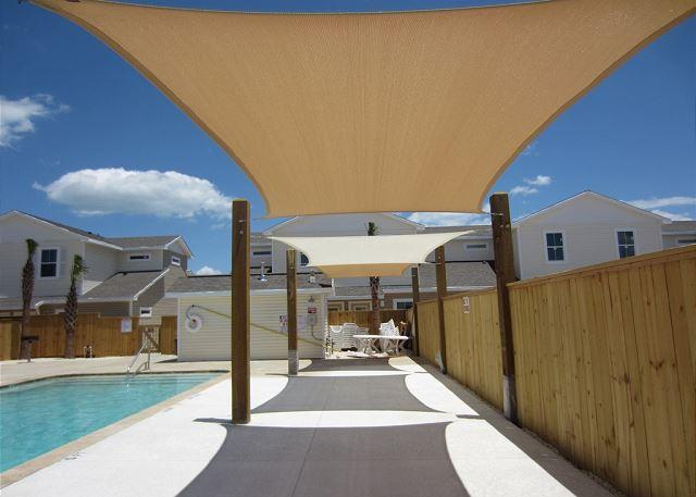 Shade area by pool - Pet-Friendly Townhouse w/heated pool, free Wifi and close to the Beach! - Corpus Christi - rentals