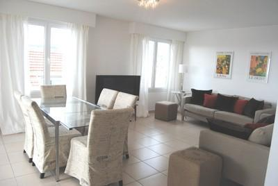 Bristol Park 3 Bedroom Cannes Vacation Rental with a Terrace - Image 1 - Cannes - rentals