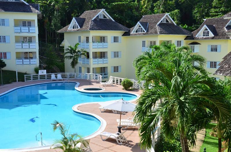 PARADISE MRR-132990-  STANDARD SUITES | SUPER KING-SIZE BED | OCHOS RIOS | TOP ATTRACTIONS - Image 1 - Ocho Rios - rentals