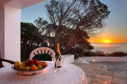 Sundowner Deck - Penelope at Funkey 4B - Camps Bay - rentals