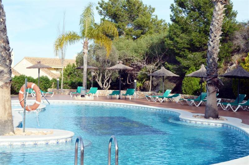 Large Patio - Indoor and Outdoor Pool - Free WiFi - Satellite TV - 5308 - Image 1 - Portman - rentals