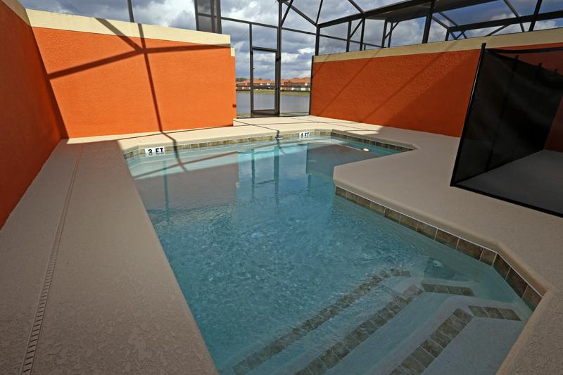 "PARADISE PALMS RESORT  Nana""s 4 BD Garden of Love - splash pool, lakeview Everything you want or Mo - Image 1 - Four Corners - rentals"
