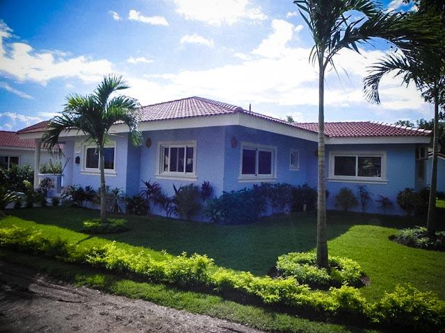 3-BDR/2-bath villa nestled in beautifully-landscaped garden. Salon furnished to feel like home with comfortable couches and TV/stereo entertainment section. Eco-Serve water purification system for out-of-the-tap potable water. Terrace with BBQ overlooks h - Image 1 - Sosua - rentals
