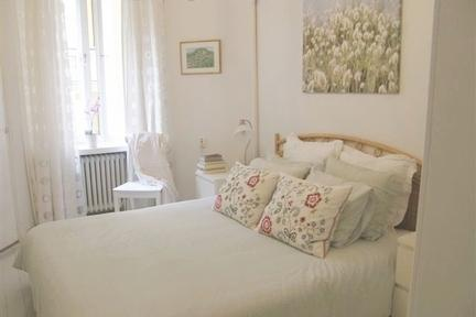 Elegant apartment in historic Helsinki neighborhood - 85 - Image 1 - Helsinki - rentals