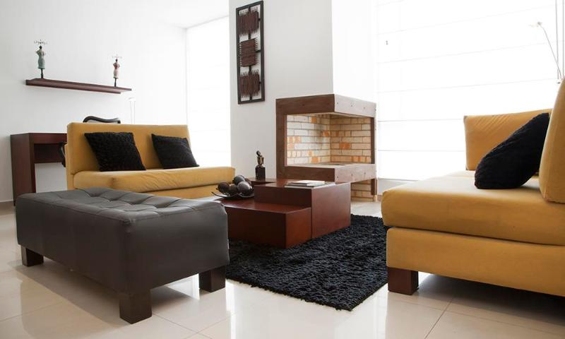 Sleek 1 Bedroom Apartment in El Chico - Image 1 - Bogota - rentals