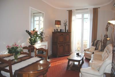 Marius 2 Bedroom Apartment with a Terrace, in Cannes - Image 1 - Cannes - rentals