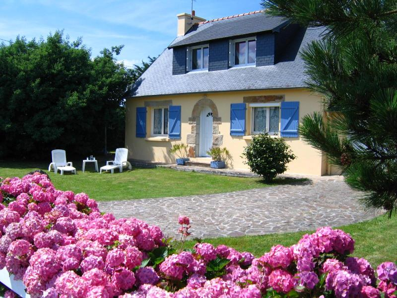 "Outside the house - ""Les Hortensias"", family cottage - Plorec-sur-Arguenon - rentals"