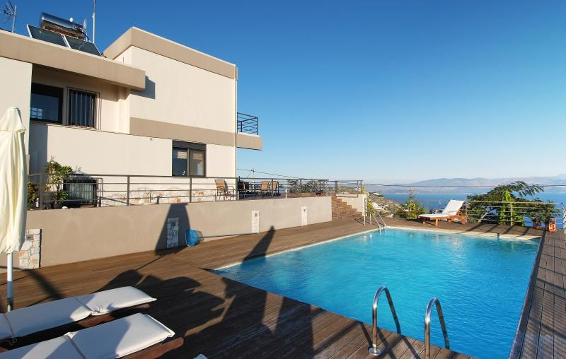 Villa with Private Pool and Panoramic Sea Views - Image 1 - Marathon - rentals
