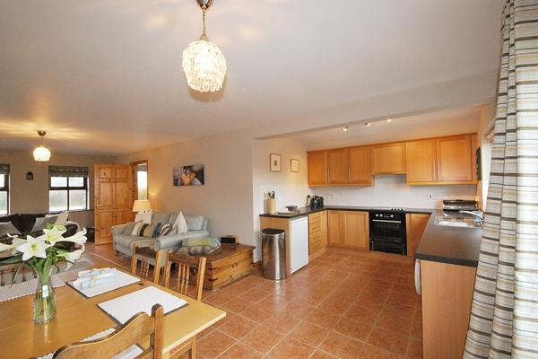 YNA Dingle Cottages - Pebble Cottage - Image 1 - Castlegregory - rentals