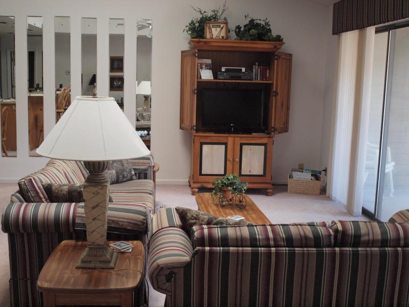 Upstairs Living Room - Sunset Beach - Beach and Golf Condo in Sea Trail - Sunset Beach - rentals