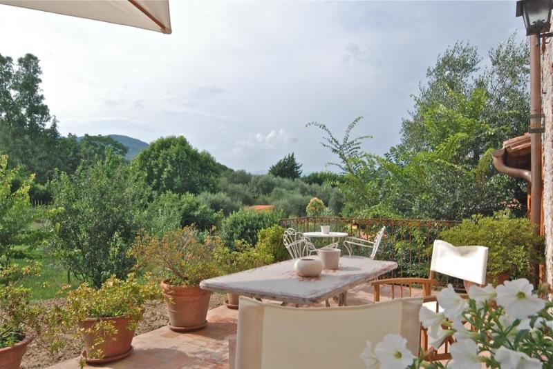 Le Civette, Exclusive Lucca Rental - Elegant country-home with garden, pool, wifi.. - Lucca - rentals