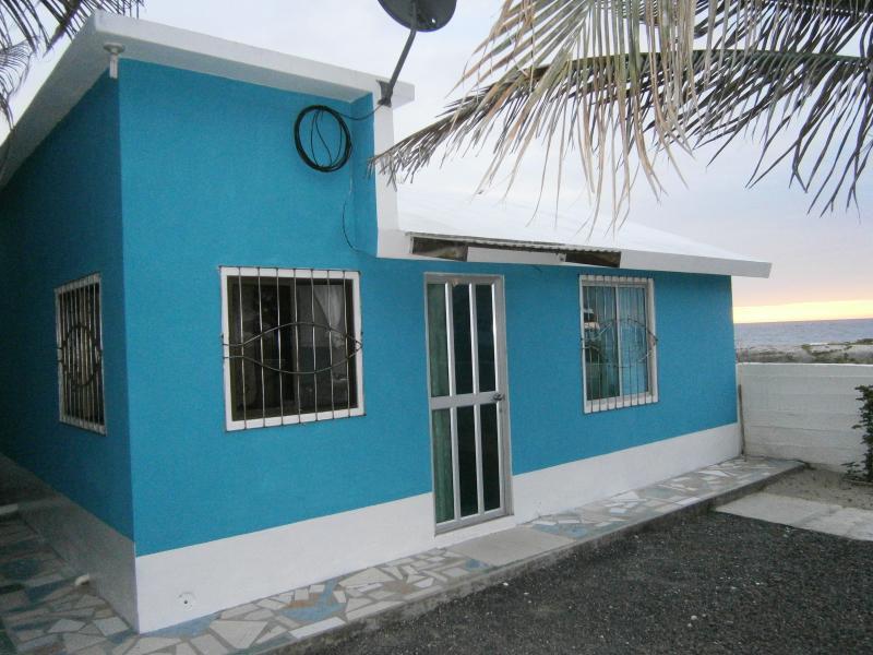 Beach Front Studio - Image 1 - Crucita - rentals