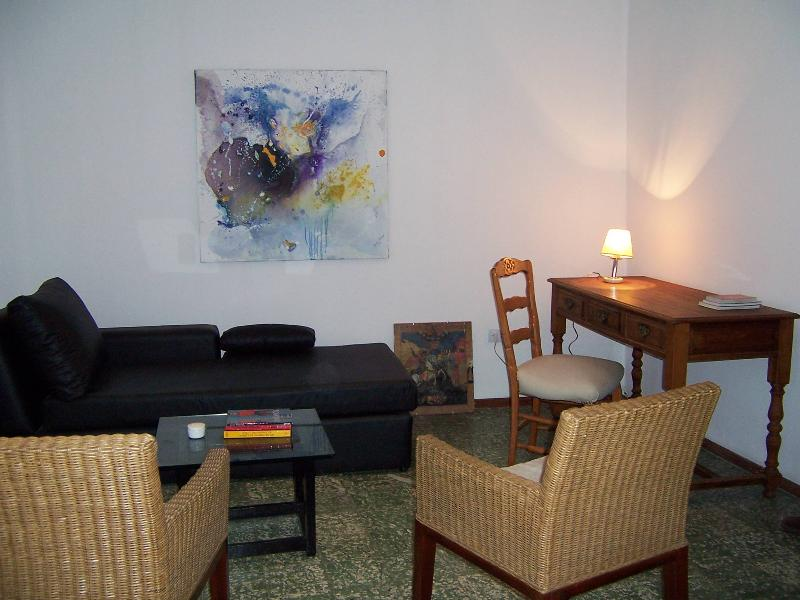 Lovely little house for 2, 7 blocks to downtown - Image 1 - Cordoba - rentals