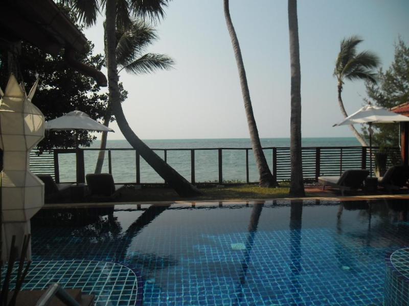 Beautiful  3 Bedroom Beachfront Villa - Image 1 - Koh Samui - rentals