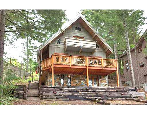 4 BR Chalet Close to the Village - Image 1 - Whistler - rentals