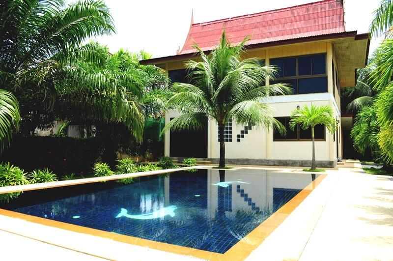 3 BR - Private pool villa with huge garden almost 1 rai in Naiharn - Image 1 - Sao Hai - rentals
