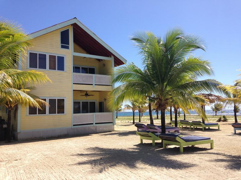 Las Palmas Villas Beach and Caribbean Sea - Beachfront Villas Roatan Bay Islands, Honduras - Roatan - rentals
