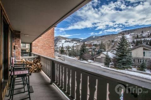 Conveniently nestled on East Meadow Drive in the heart of Vail. Take in fresh mountain air and a sign of relief for the ease of this location! - Alphorn 204 - Vail - rentals