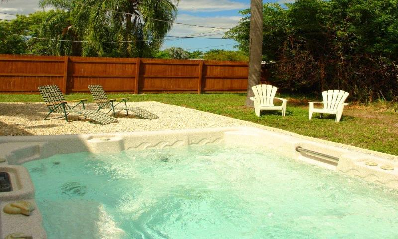 Hot-Tub Whirlpool - BeachSummer - Fort Myers - rentals