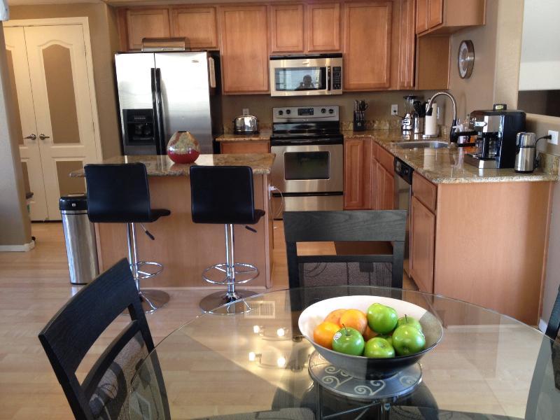 Kitchen - CHICAGO CUBS Rental in TEMPE - Vacation Home & Short Term rental near ASU - Tempe - rentals
