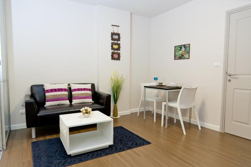 Stay in Phuket city center, dCondo Creek RFH000493 - Image 1 - Kathu - rentals