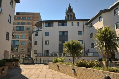 Central Condo next to Station, Mall & Beach - Image 1 - Brighton - rentals