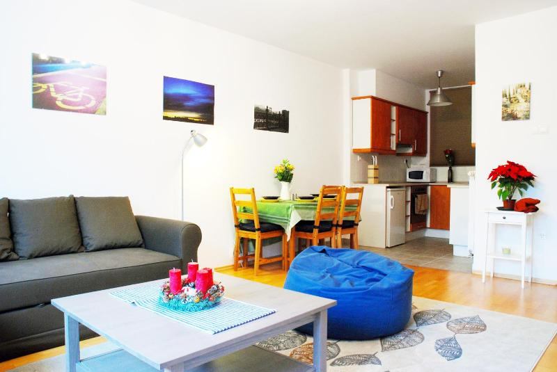 The Acacia Apartment Downtown with free private parking! NEW! - Image 1 - Budapest - rentals
