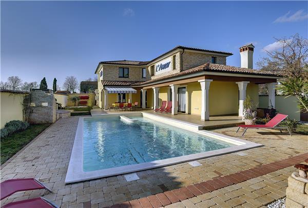 4 bedroom Villa in Vodnjan, Istria, Croatia : ref 2234602 - Image 1 - Vodnjan - rentals