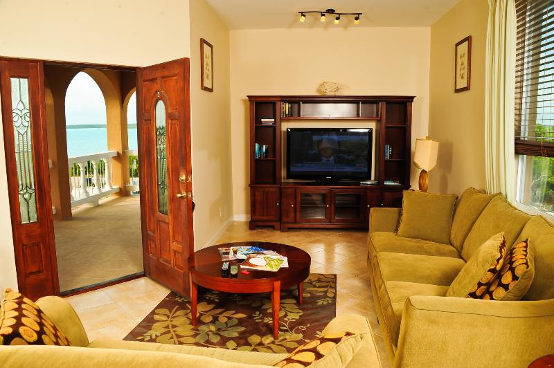 Comfortable Living - Sound View Residence - Providenciales - rentals
