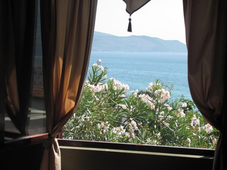 View from the bedroom - Sea View Apartment minutes from the Igalo beach - Herceg-Novi - rentals