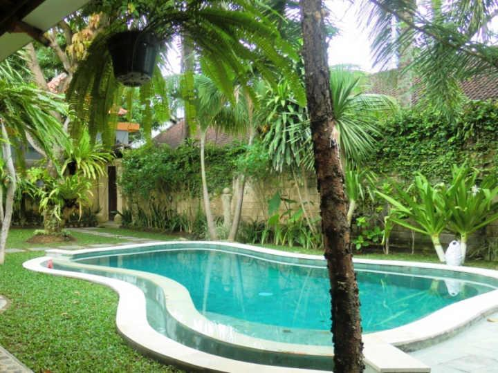 Free form swimming pool - Taman Mini, Family Suite in Seminyak, Bali - Seminyak - rentals