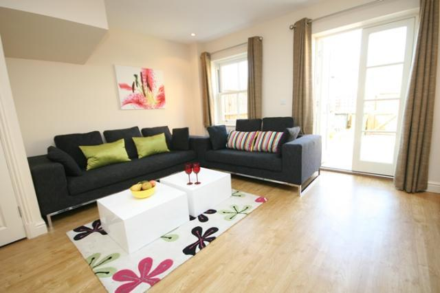 Living Room - Signet Simpers 3 Bedroom Town House - Cambridge - rentals